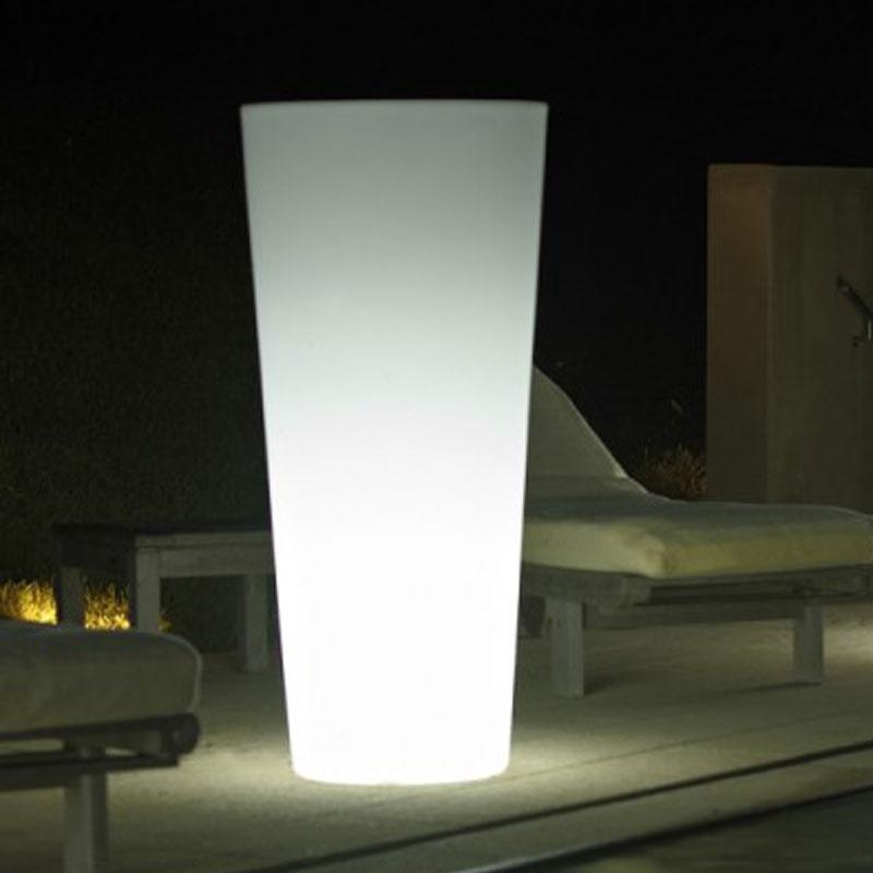 Vaso luminoso da giardino in polietilene STAR Quadrato | Arredo ...