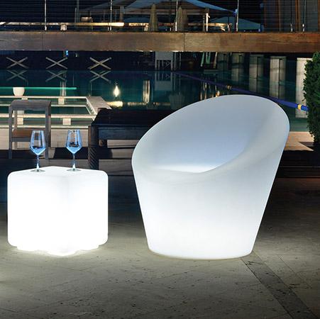 Tavolino luminoso da esterno in resina CUBO BO'