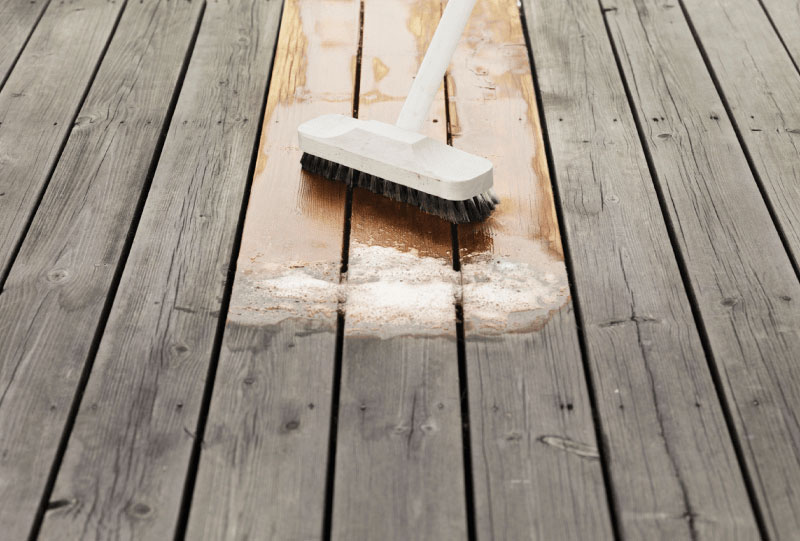 Kit di pulizia per arredi da giardino in legno ingrigiti