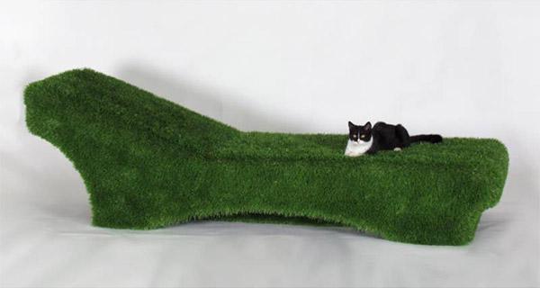 lettino green rivestito in erba sintetica