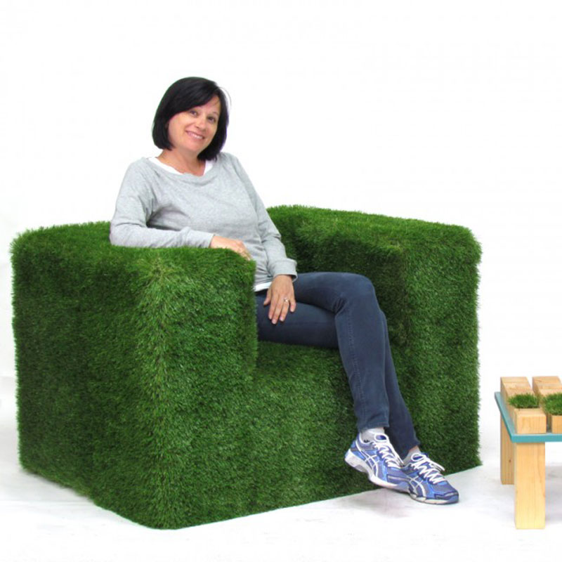 poltrona green rivestita in erba sintetica