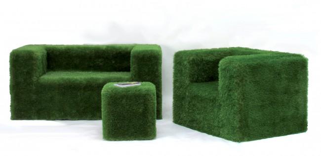 salotto green rivestito in erba sintetica