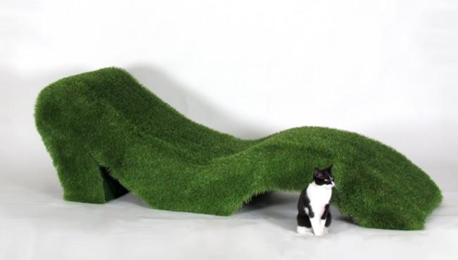 chaiselongue green rivestita in erba sintetica