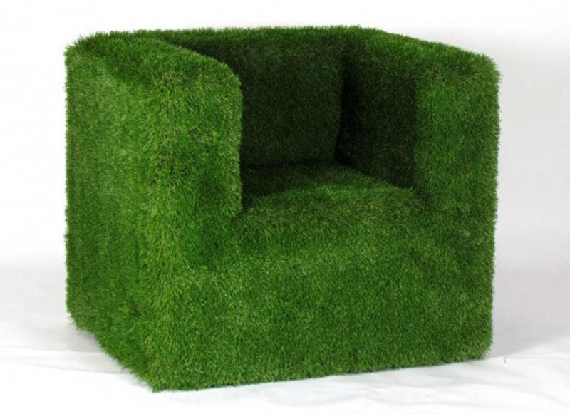 poltrona slim green rivestita in erba sintetica