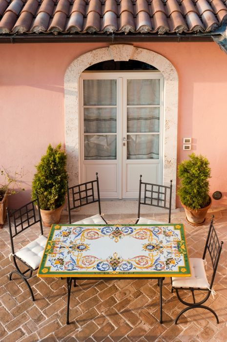 Tavolo rettangolare in pietra lavica michelangelo decorato - Tavolo in pietra da giardino ...