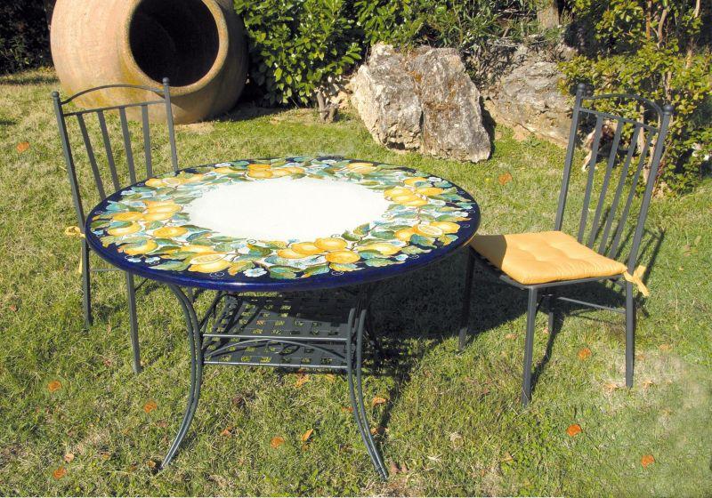 Tavoli Da Giardino Decorati.Tavolo Rotondo In Pietra Lavica Limoni Cri Decorato A Mano